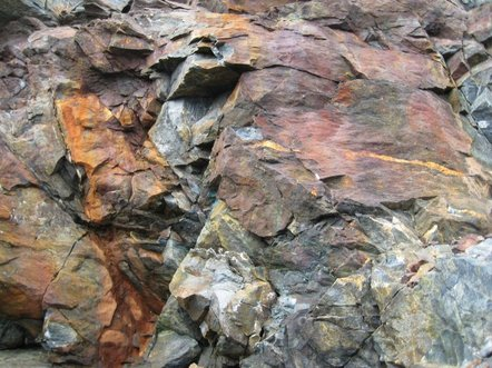 gold bearing geology in newfoundland